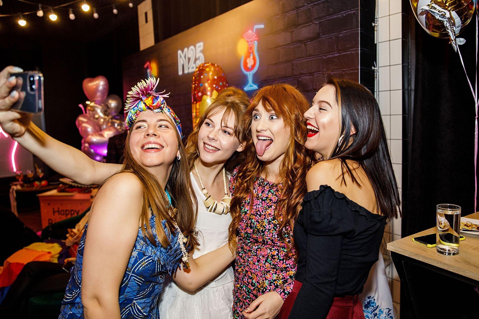 """""""Новий рік на двох"""": Marietta выпустила новый трек и рассказала, как сказочно отпраздновать Новый год - фото №3"""