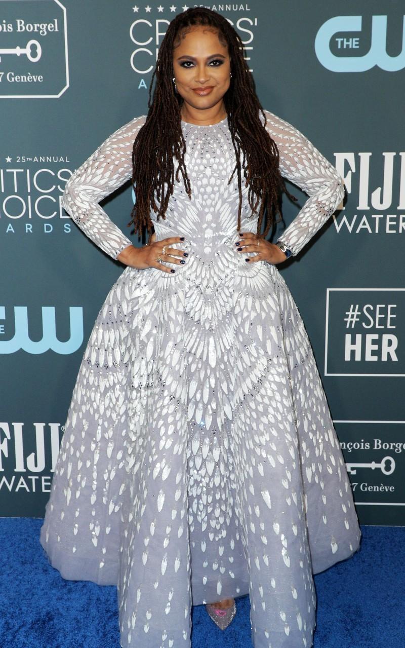 Critics' Choice Awards 2020: самые яркие наряды с красной дорожки - фото №15