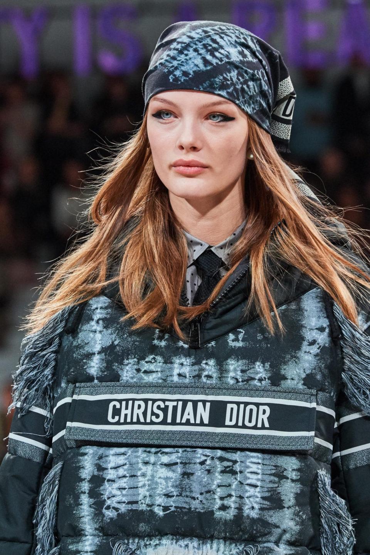 Как носить бандану на голове: ТОП-5 модных идей - фото №3
