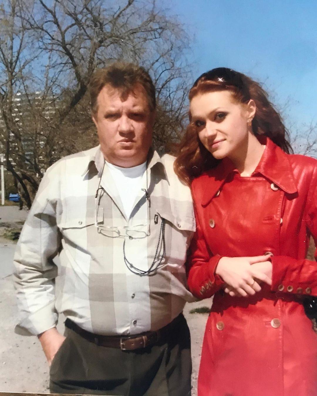 """""""Я так боялась этого дня"""": Слава Каминская сообщила о смерти отца - фото №3"""