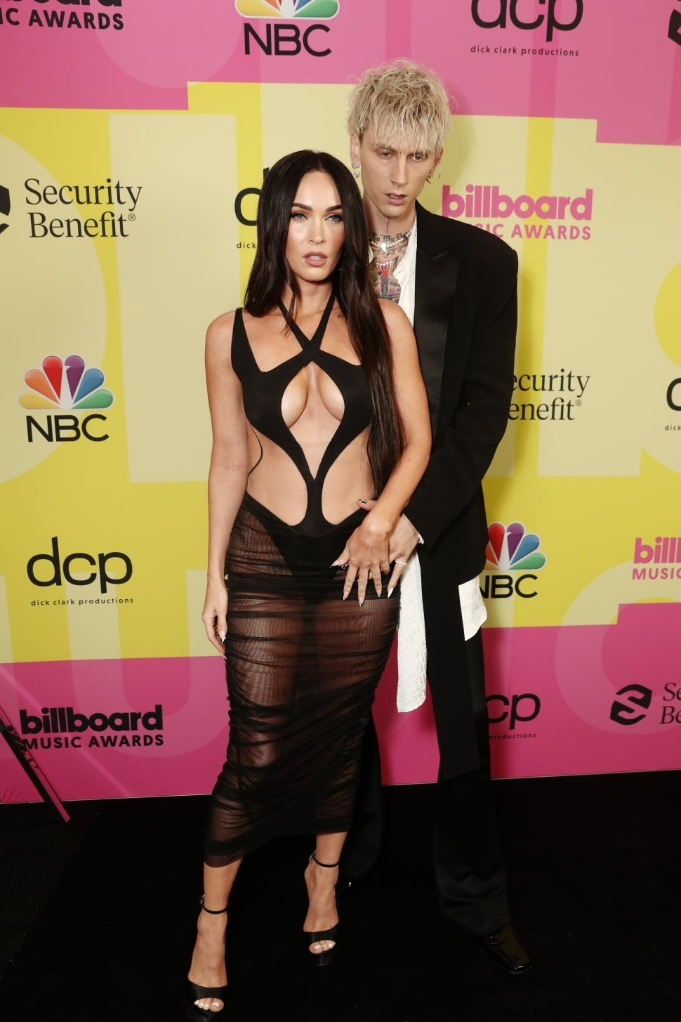 Billboard Music Awards 2021: Меган Фокс, Приянка Чопра, P!nk и другие на красной дорожке премии (ФОТО) - фото №1
