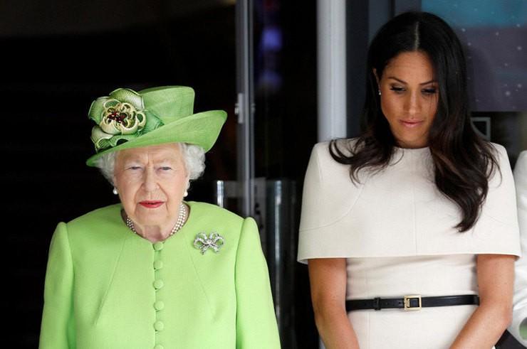 королева заболела