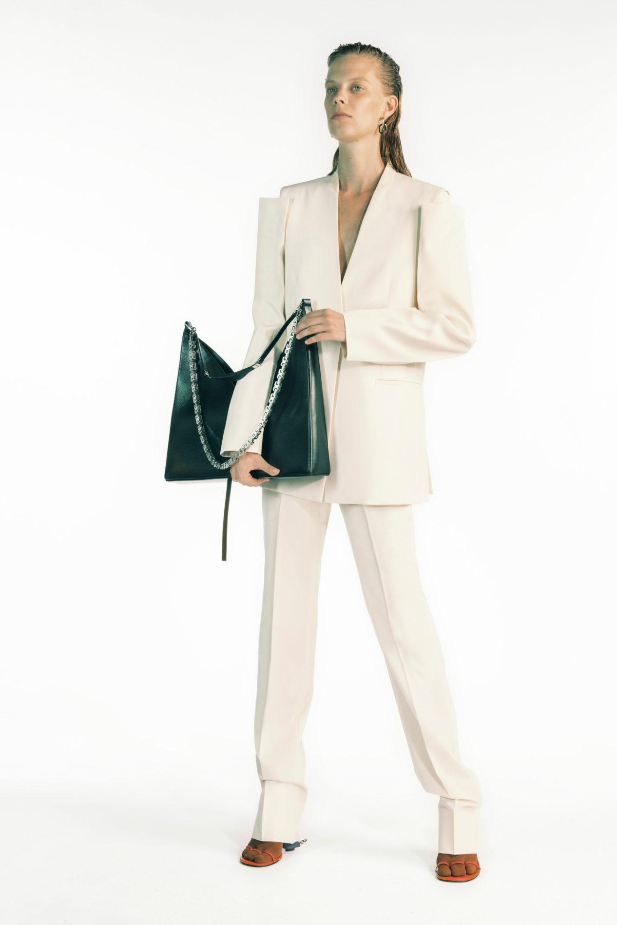 Дебют Мэтью Уильямса и пример безупречного стиля. Почему все обсуждают новую коллекцию Givenchy (ФОТО) - фото №1