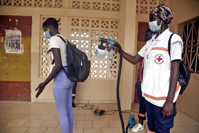 Снова в школу? New York Magazine показали, как проходит учеба в разных странах во время коронавируса (ФОТО) - фото №2