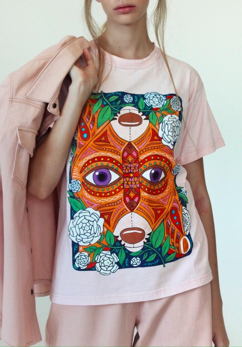 Спортивные костюмы в стиле пэчворк и футболки с предсказаниями: TATMAN представили новую линию комфортной одежды - фото №6