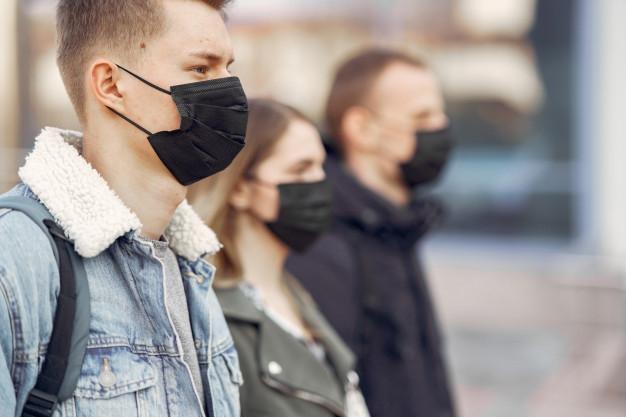 Мы делали это неправильно? ВОЗ обновила рекомендации по ношению масок во время пандемии - фото №1