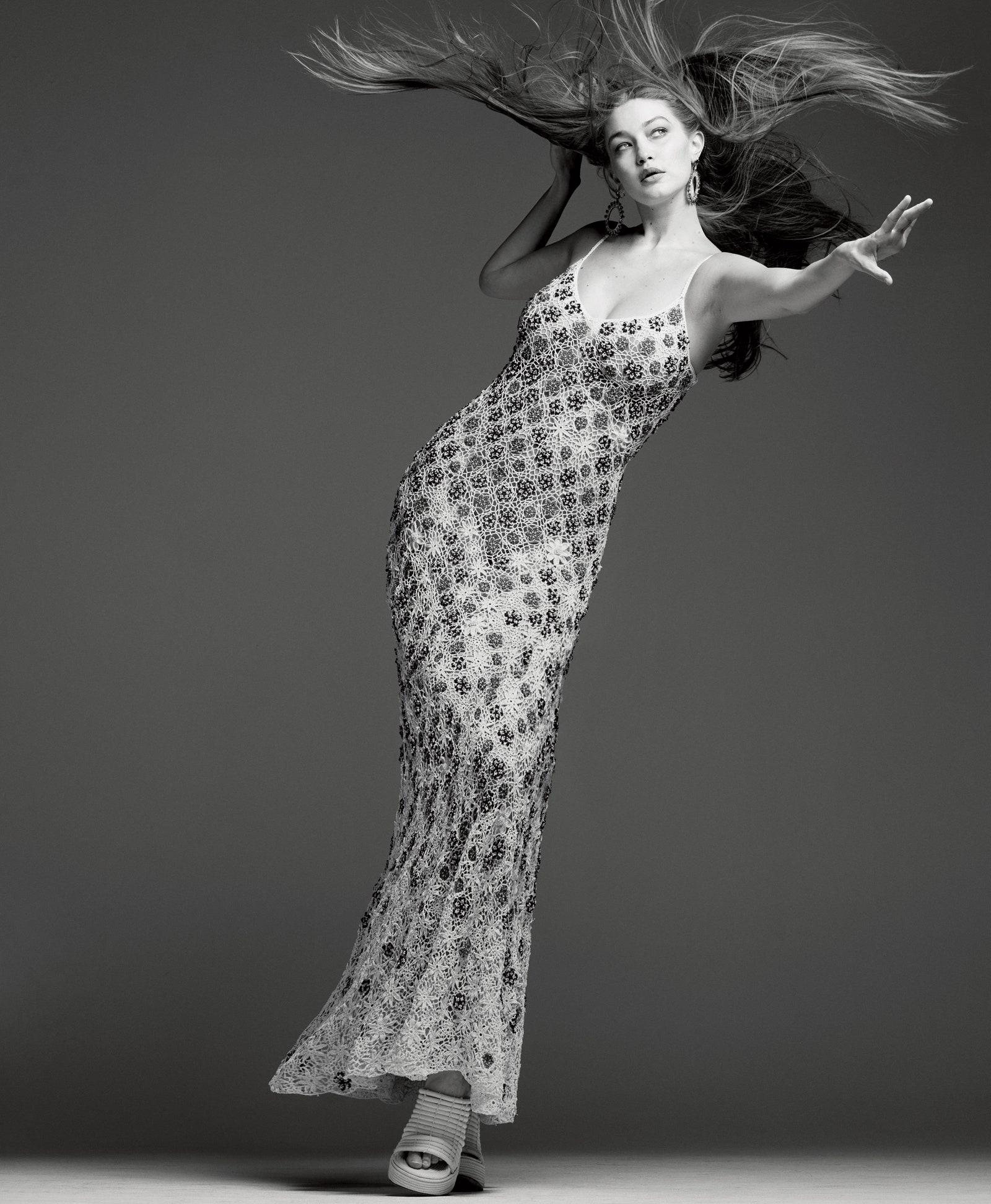 Джиджи Хадид впервые появилась на обложке Vogue после рождения дочери (ФОТО) - фото №4