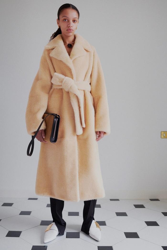 Универсальный гардероб: Jil Sander выпустили новую коллекцию Pre-Fall — 2021 (ФОТО) - фото №5