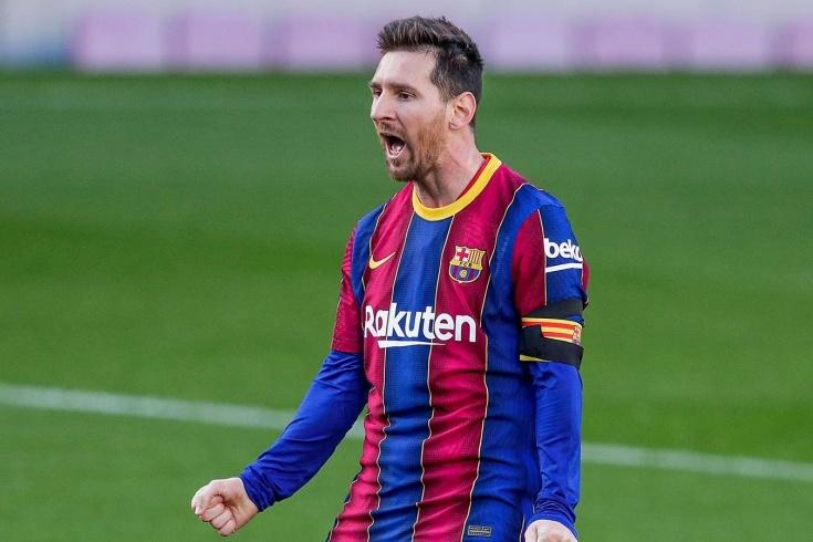 """Лионель Месси расплакался на прощальной пресс-конференции по случаю ухода из """"Барселоны"""" - фото №1"""