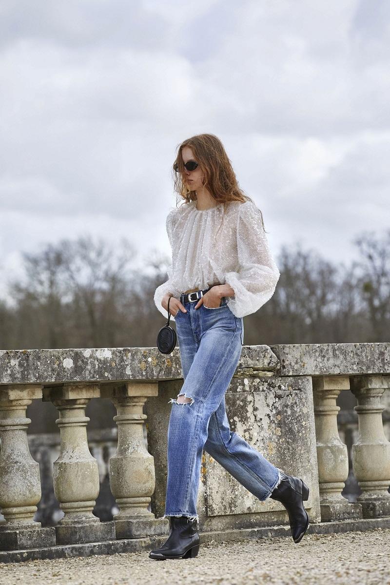 Гламурные платья и сапоги-казаки: смотрите, как прошел показ Celine в Версальских садах (ФОТО) - фото №3