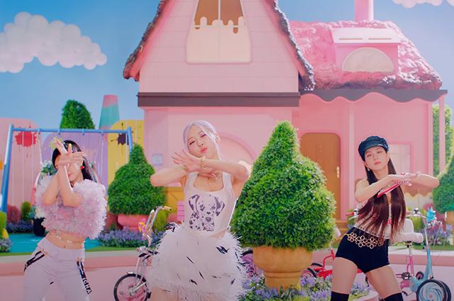 """Селена Гомес и K-pop группа Blackpink выпустили очень """"вкусный"""" клип на песню Ice Cream (ВИДЕО) - фото №3"""