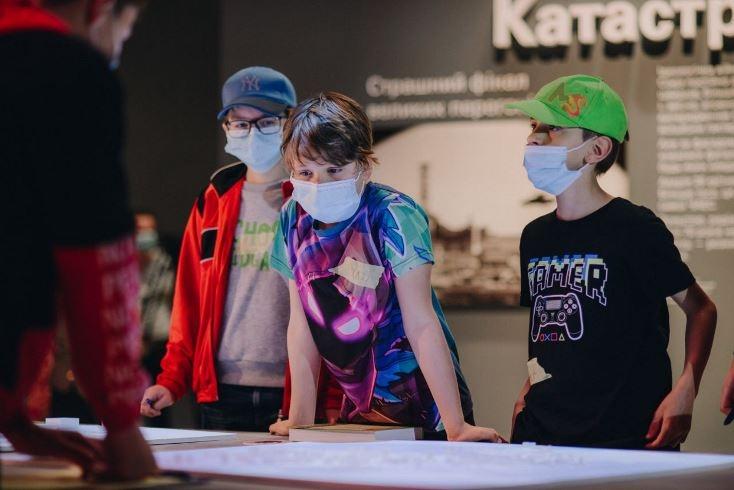 """Последние дни работы выставки """"Чорнобиль. Подорож"""": объявлен марафон экскурсий - фото №3"""
