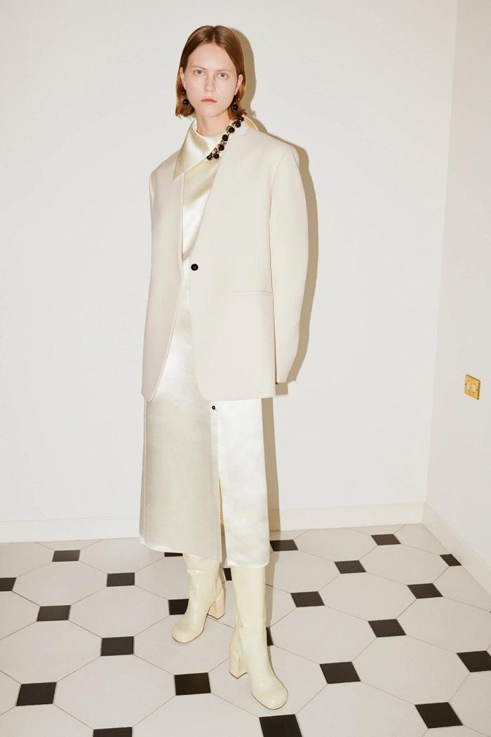 Универсальный гардероб: Jil Sander выпустили новую коллекцию Pre-Fall — 2021 (ФОТО) - фото №1