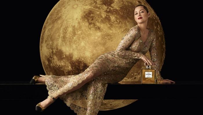 Луна, любовь и Марион Котийяр. Смотрите волшебную рекламу парфюма Chanel №5 (ФОТО+ВИДЕО) - фото №2