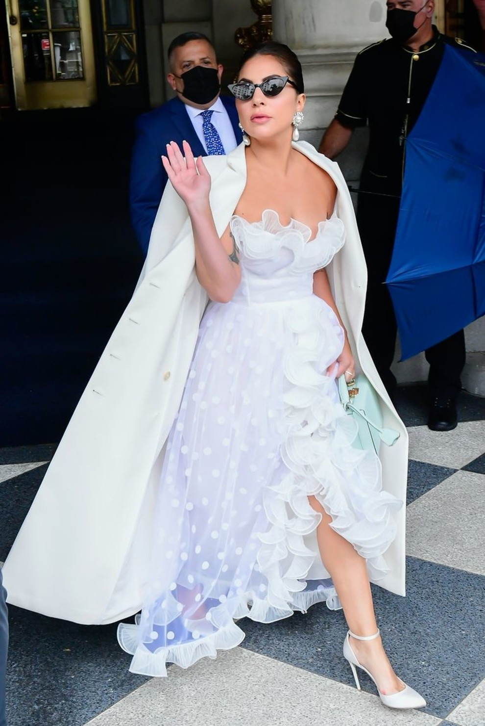 В духе старого Голливуда: Леди Гага восхитила поклонников новыми образами (ФОТО+ГОЛОСОВАНИЕ) - фото №4