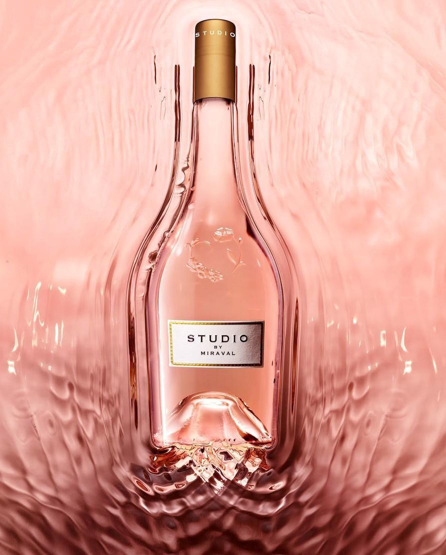 Бизнес, несмотря ни на что: Брэд Питт и Анджелина Джоли выпустят новое шампанское - фото №2