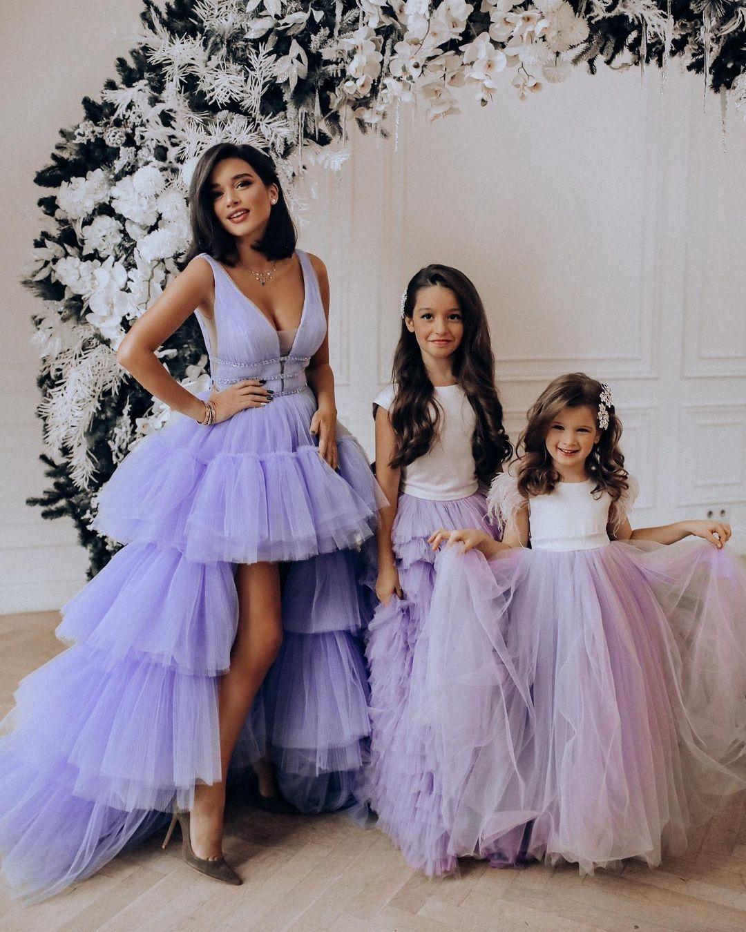 Дочки-матери: подборка звездных мам с детьми - фото №3