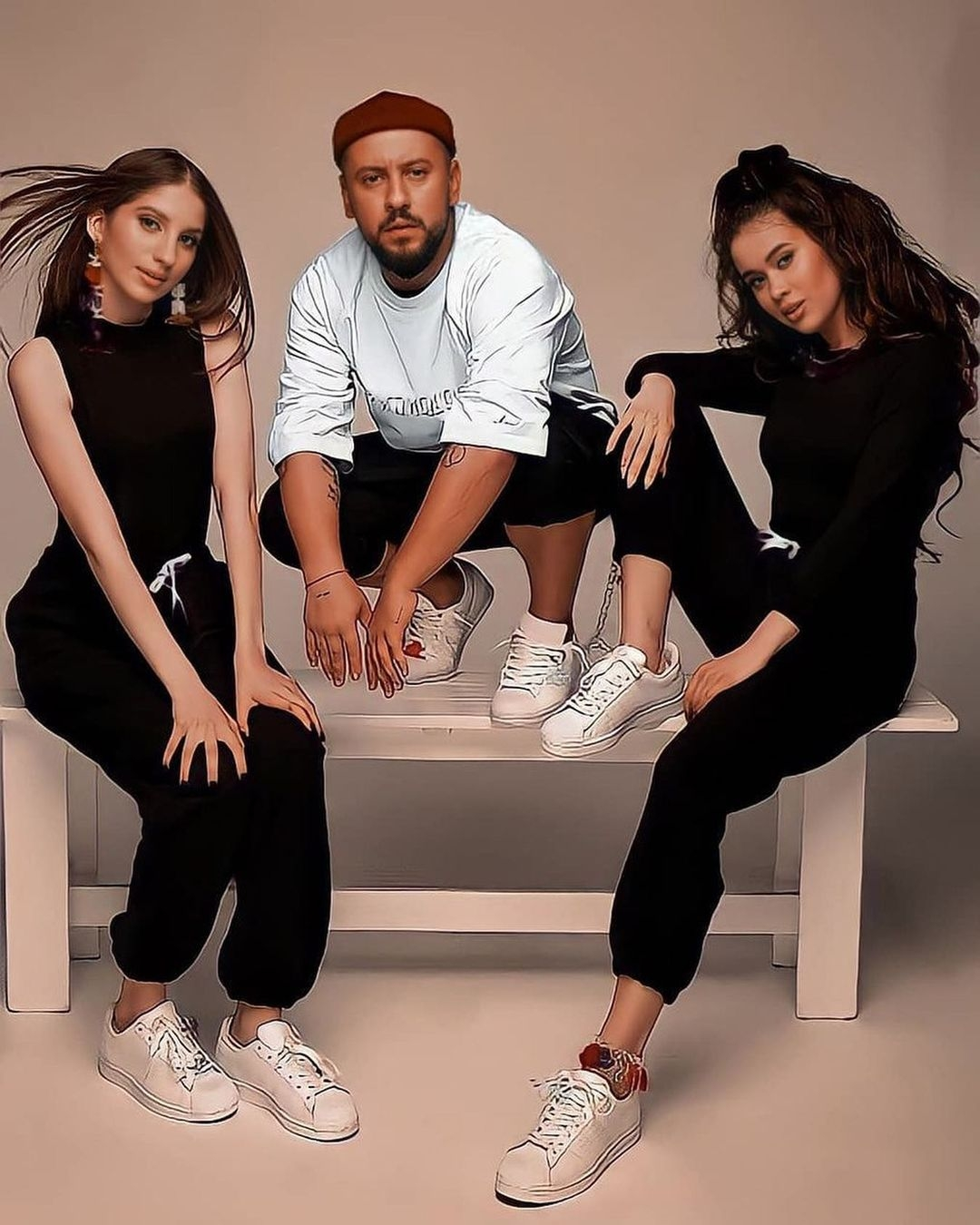 MONATIK прекратил сотрудничество с певицами Lida Lee и Nino Basilaya - фото №1