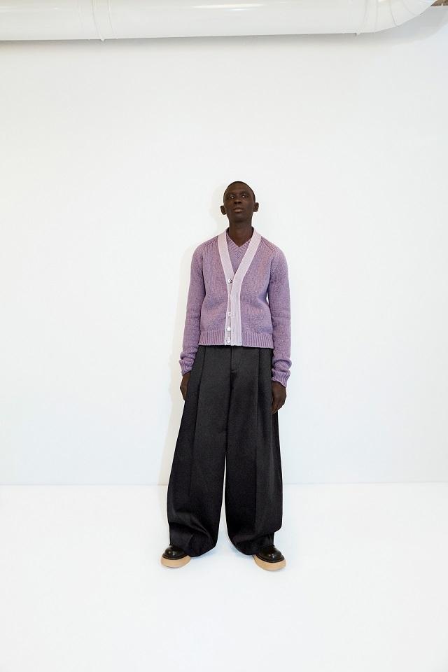 Махровый халат, бабушкин свитер и трикотаж: Bottega Veneta показали, какую одежду носить после карантина (ФОТО) - фото №2