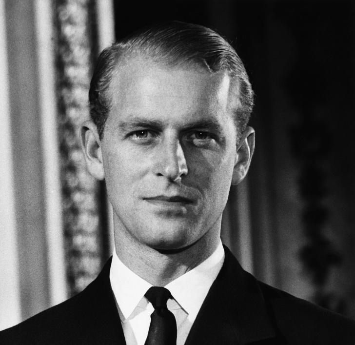 В память о покойном принце Филиппе: биография и архивные фото герцога Эдинбургского - фото №3