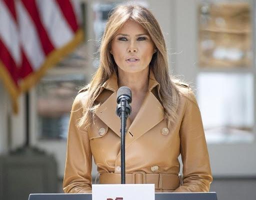 Мелании Трамп — 50! Вспоминаем лучшие образы первой леди США (ФОТО) - фото №8