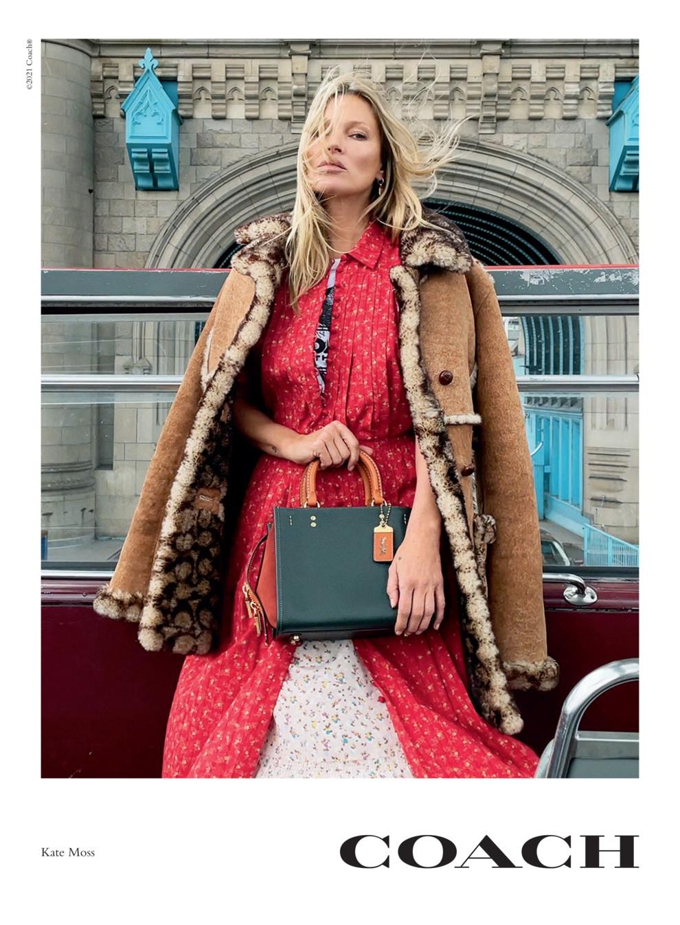 Дженнифер Лопес и Кейт Мосс появились в новой рекламной кампании Coach - фото №2