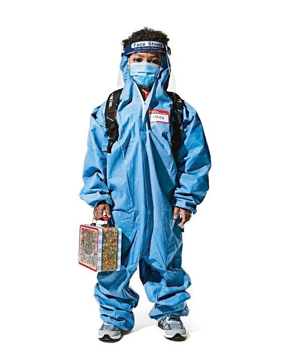Снова в школу? New York Magazine показали, как проходит учеба в разных странах во время коронавируса (ФОТО) - фото №1