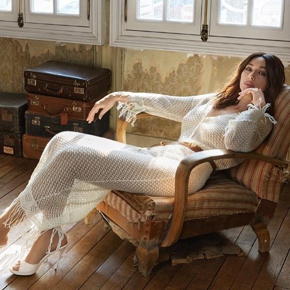 Вечно молодая: Моника Беллуччи поразила роскошной фотосессией для глянца (ФОТО) - фото №2