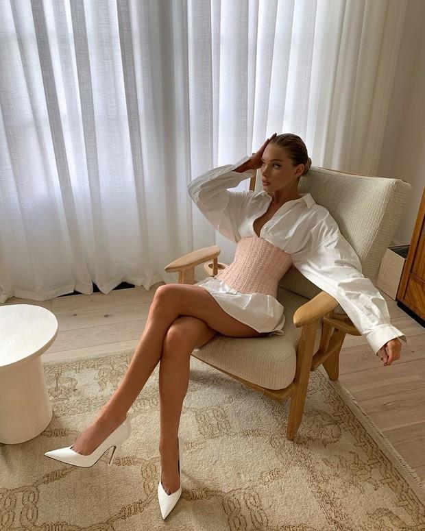 Уроки стиля: модель Эльза Хоск показывает самый стильный наряд этого сезона(ФОТО) - фото №2