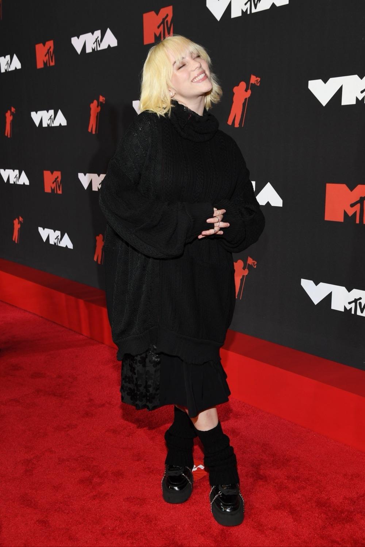 Пэрис Хилтон, Аврил Лавин, Билли Портер и другие звезды на красной дорожке MTV Video Music Awards 2021 (ФОТО) - фото №4