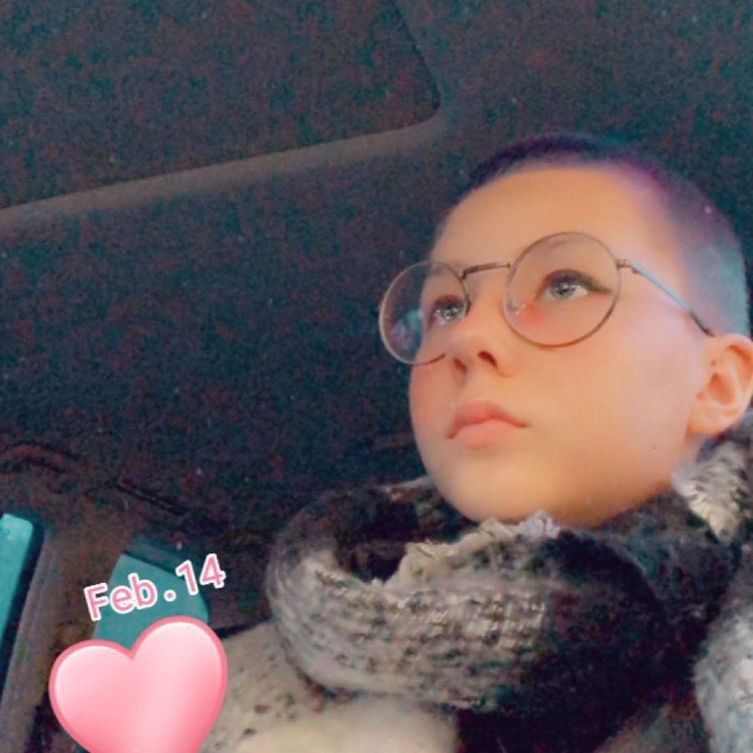 Как теперь выглядит 12-летняя дочь Глюк'оZы Люда: побрилась почти налысо и волосы в фиолетовый (ФОТО)