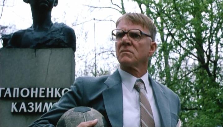 Киев в кино — глазами иностранцев: на ВДНХ хоронили Сталина, а главную библиотеку страны брали штурмом - фото №9