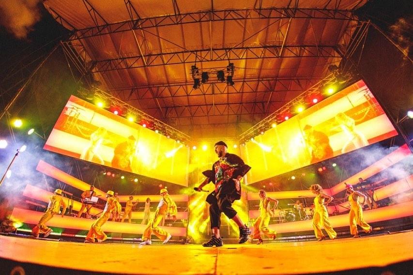 Будь готов зажигать! MONATIK даст в Киеве дополнительное шоу! - фото №2