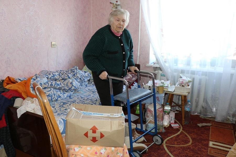 """Доставка заботы: 300 бабушек и дедушек из Украины получили продуктовые наборы в рамках проекта """"ДоБаДе"""" - фото №1"""