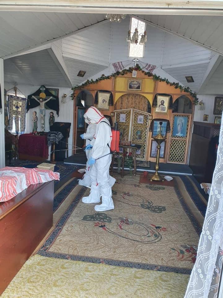 Пять прихожан церкви, которую посетила умершая от коронавируса женщина, заболели - фото №2