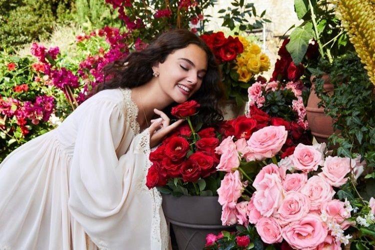 Вся в маму: дочь Моники Беллуччи снялась в новой рекламе аромата Dolce Gabbana (ВИДЕО) 0 - фото №3