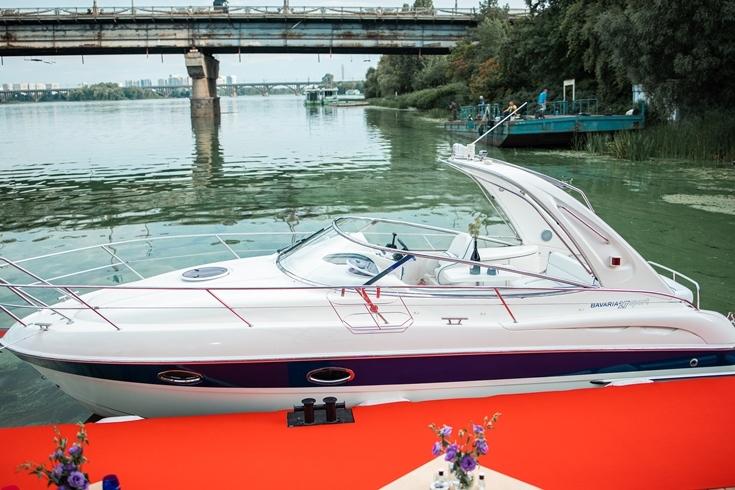 BAVARIA Sparkling Yacht: Sparkling Boats презентовала новинку своего флота — премиальную яхту - фото №1