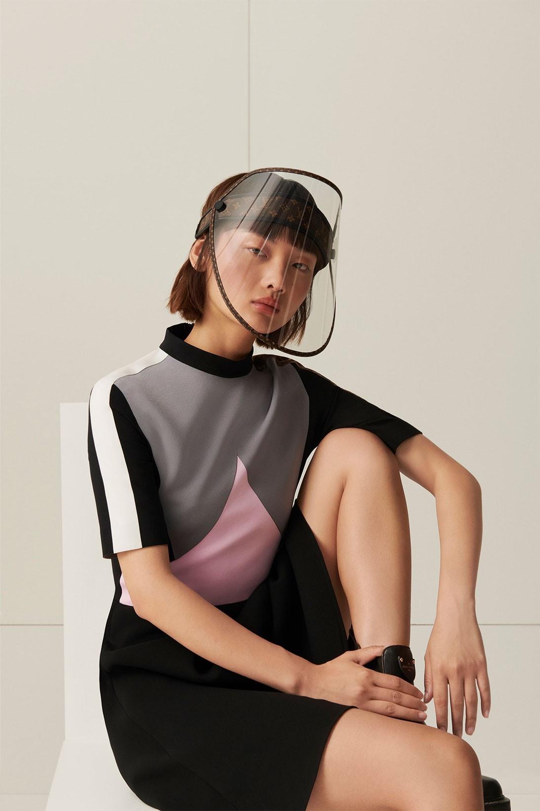 Защита от дождя, солнца и коронавируса: Louis Vuitton выпустили стильные щиты для лица (ФОТО) - фото №1