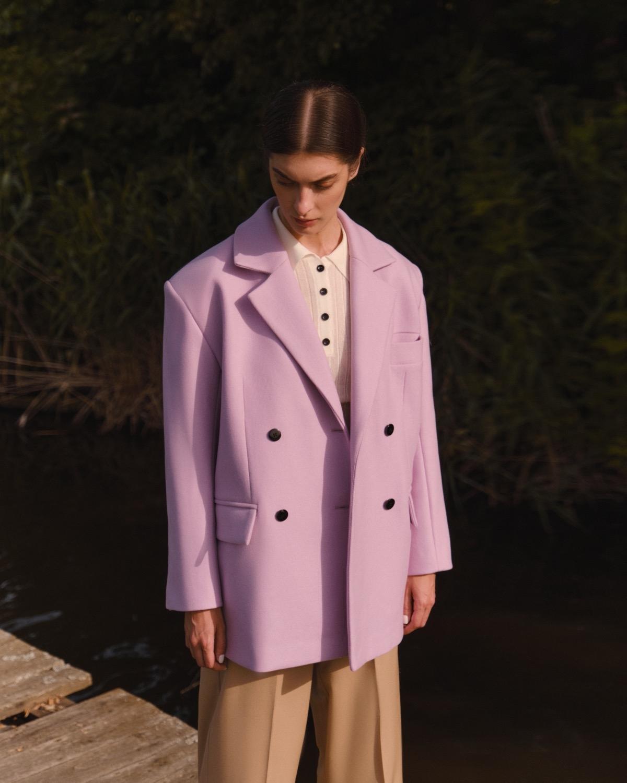 Структурированные пиджаки, трикотажные платья и туники в новой коллекции L.A.B BY TERNOVSKAYA - фото №6