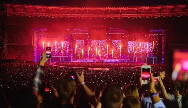 "Stadium Show MONATIK ""LOVE IT ритм"""