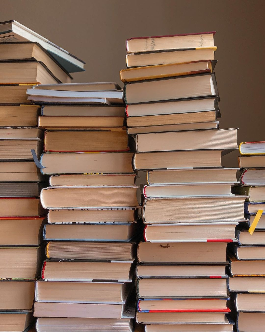 Долучайтесь до голосування: обираємо 30 знакових книжок нашої Незалежності - фото №1