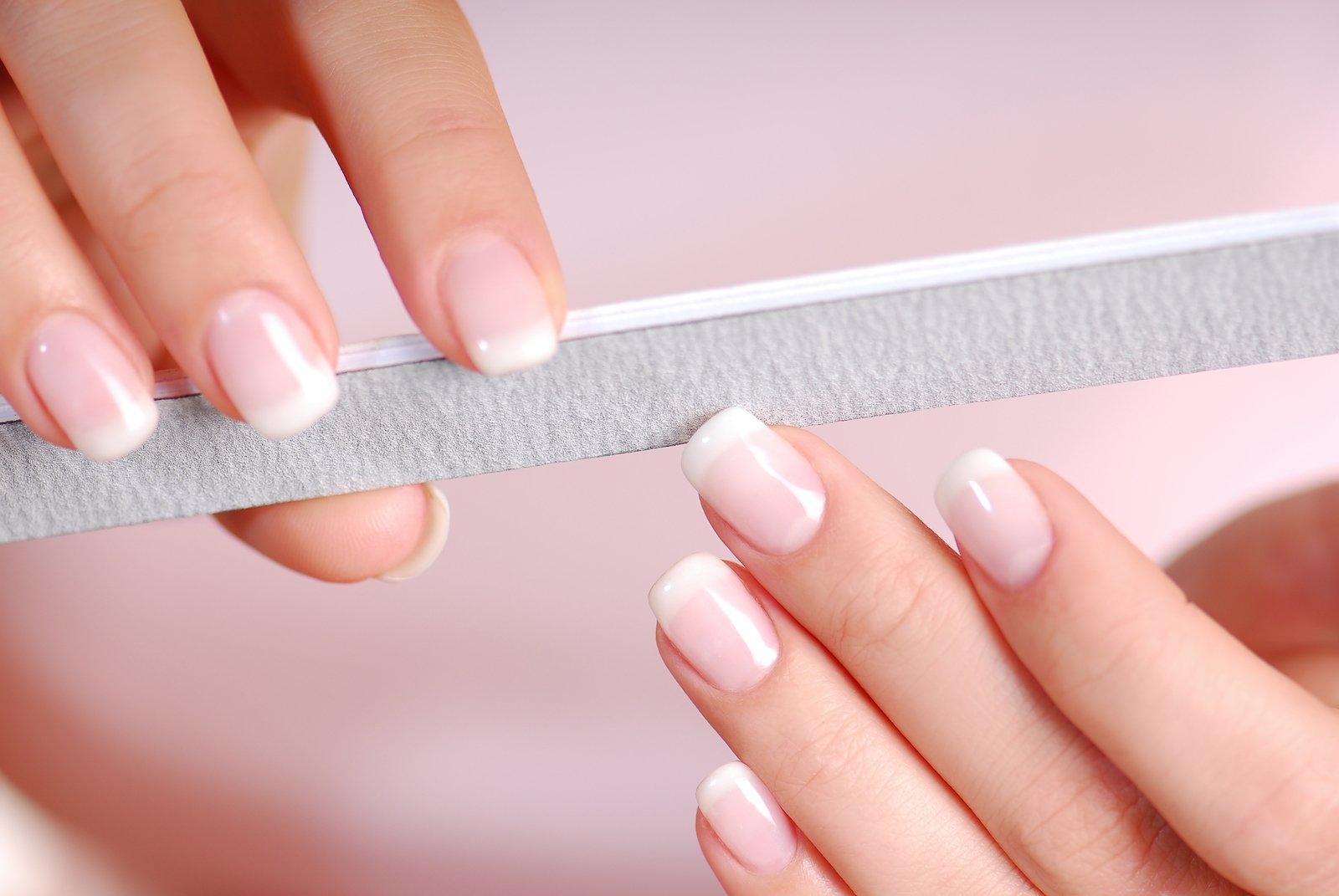 Камуфлирующий гель для ногтей: что это такое и для чего он нужен - фото №2