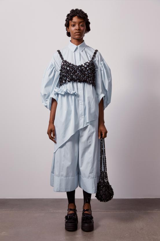 """""""Взрывной, отрезвляющий, зловещий"""": как прошел показ Simone Rocha в лондонской галерее (ФОТО) - фото №7"""