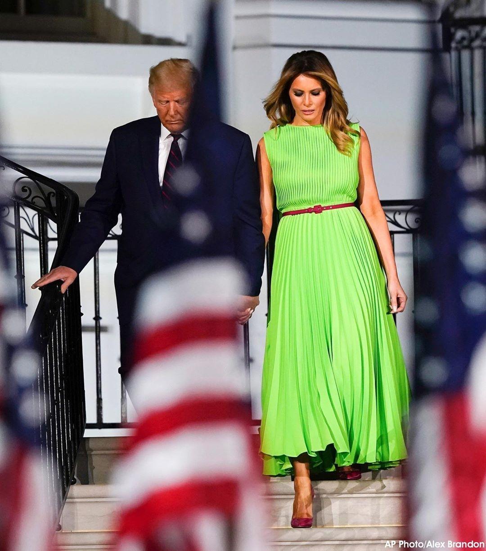 Дональд Трамп и Мелания Трамп в зеленом платье