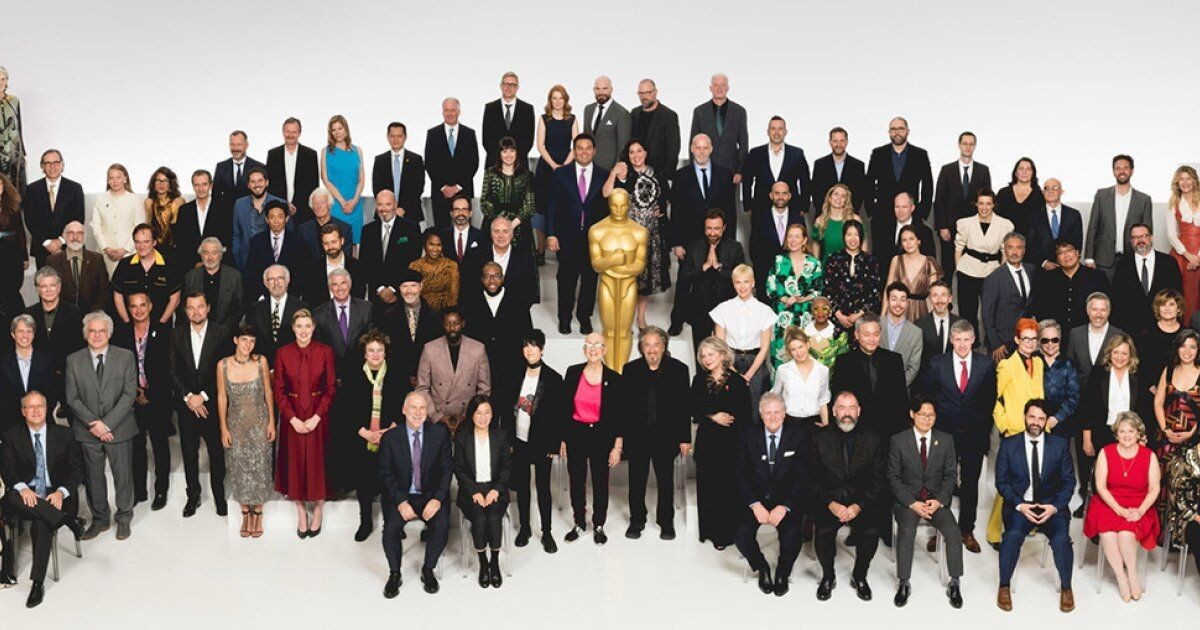 """Завтрак в честь номинантов премии """"Оскар"""": наряды Брэд Питта, Шарлиз Терон, Леонардо Ди Каприо и других гостей мероприятия - фото №1"""