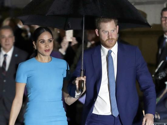Принц Гарри прилетел в Лондон на открытие памятника принцессы Дианы - фото №2