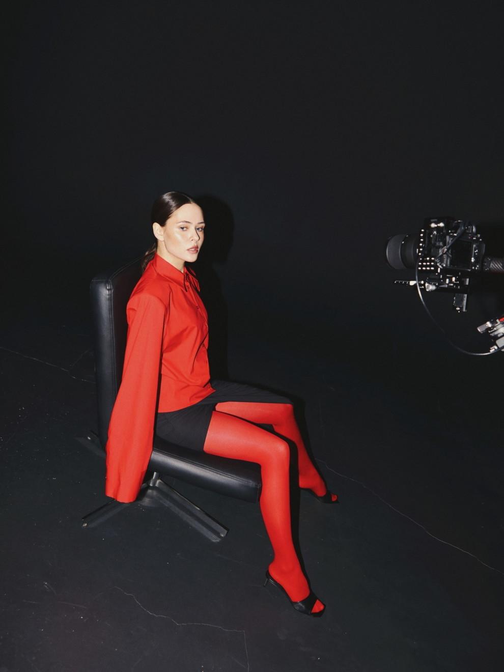 В соблазнительных корсетах и неоновых колготках: Юлия Санина снялась для Vogue (ФОТО) - фото №7