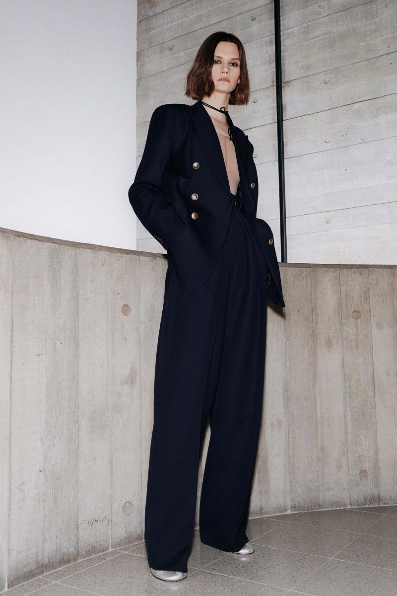 Цветочные платья и элегантные костюмы: обзор новой коллекции Victoria Beckham (ФОТО) - фото №4