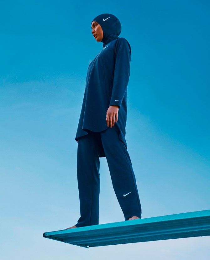 Для мусульманок: Nike выпускает коллекцию купальников-хиджабов, полностью покрывающих тело - фото №5