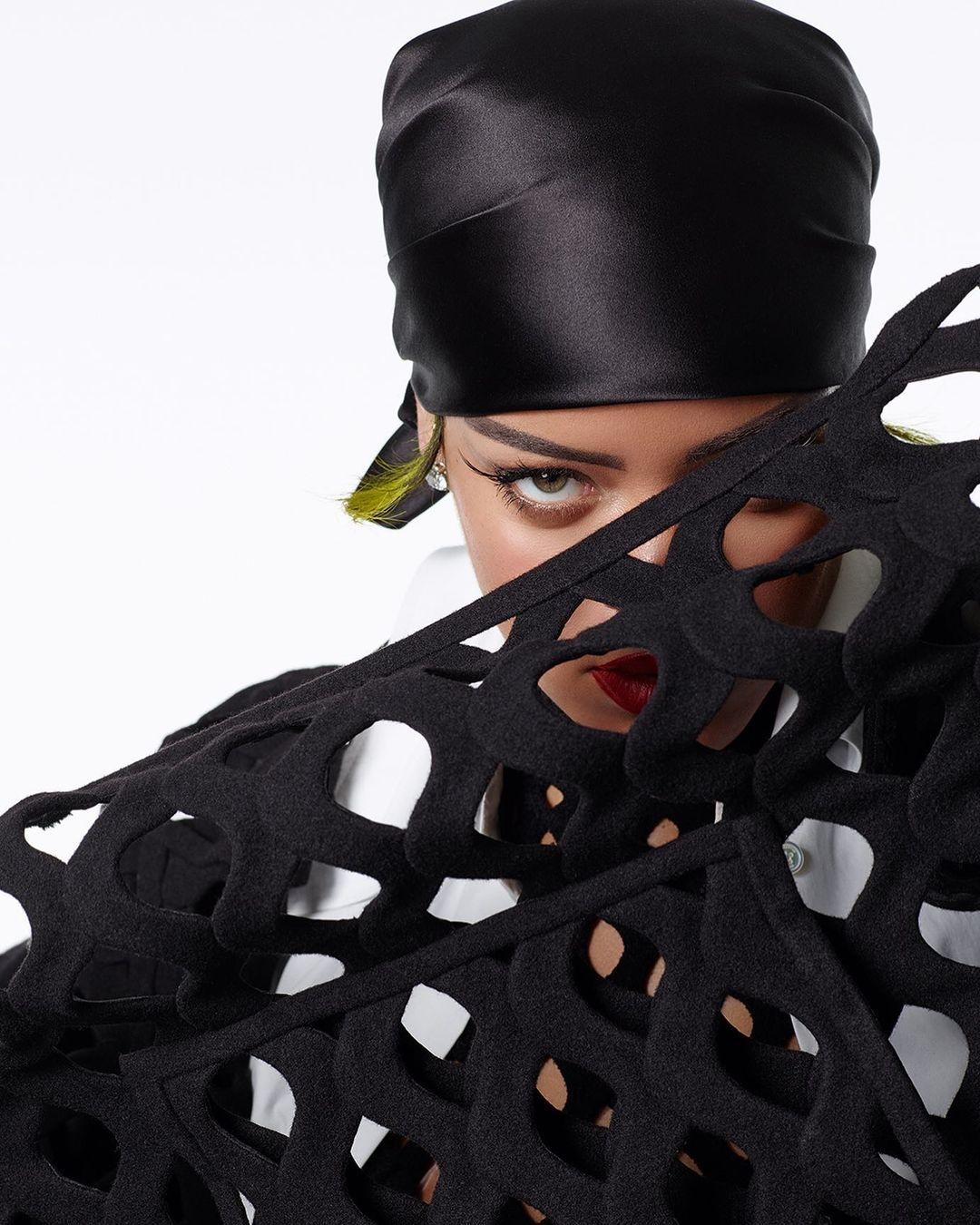 Рианна украсила обложку нового номера Vogue (ФОТО) - фото №2